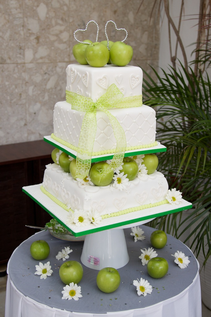 Wedding cakeGreen Apple theme