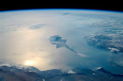 5196845171 208849e58c b Foto Foto Stasiun Luar Angkasa NASA Terbaru 2011