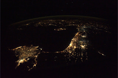 5196972967 2c9961623a b Foto Foto Stasiun Luar Angkasa NASA Terbaru 2011