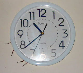 spider-behind-clock.jpg