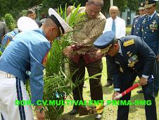 TNI AU Menanam untuk Masyarakat
