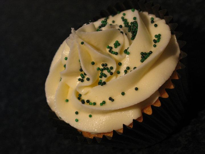 minirhi bakes fairy cake or cupcake