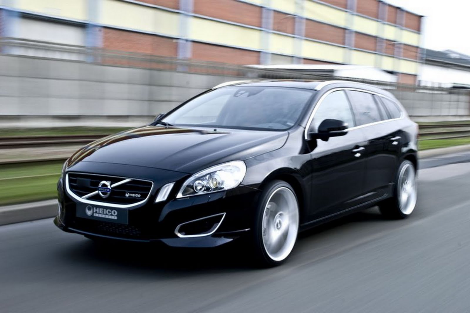 amazing automobile volvo v60 2011 stills wallpapers. Black Bedroom Furniture Sets. Home Design Ideas