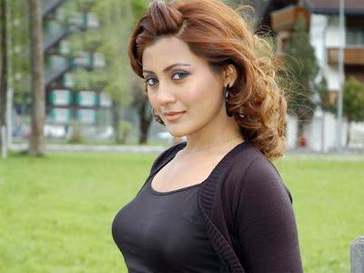 http://4.bp.blogspot.com/_qSI1URO4afE/SxkWsQtED5I/AAAAAAAAChM/nHBKmyXeNCc/s400/rimi-sen-hot-sexy-wallpaper4.jpg