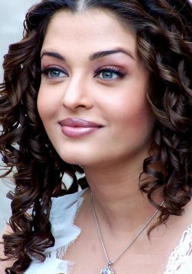 Aishwarya Rai Latest Romance Hairstyles, Long Hairstyle 2013, Hairstyle 2013, New Long Hairstyle 2013, Celebrity Long Romance Hairstyles 2137