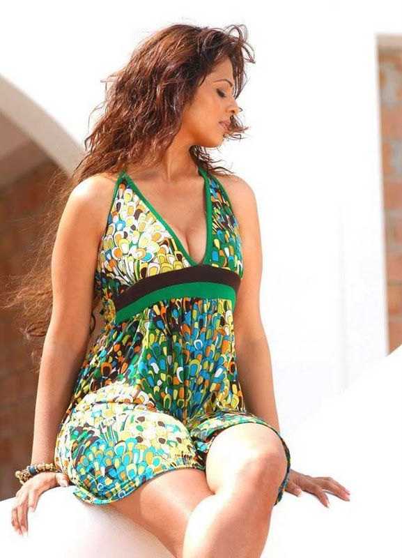 Anjana Sukhani Latest Hot Pictures wallpapers