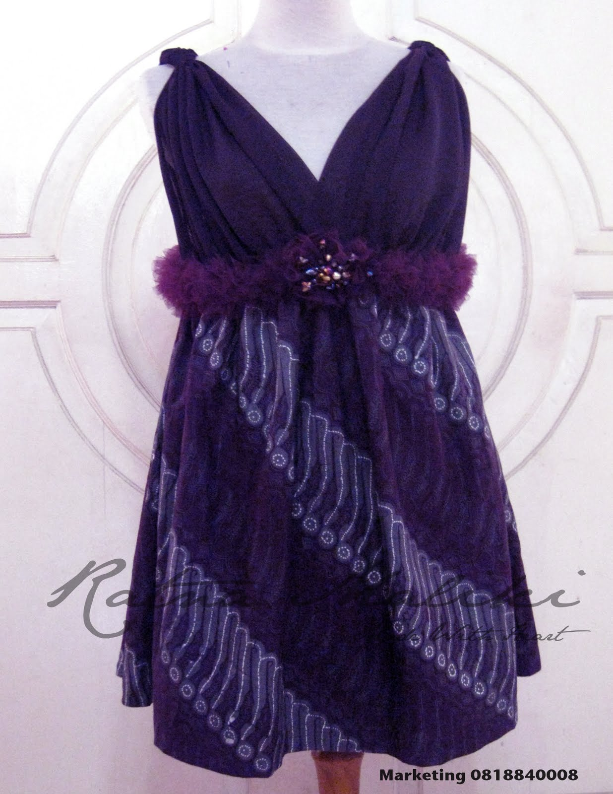 Gaun Batik Modern Ibu Hamil