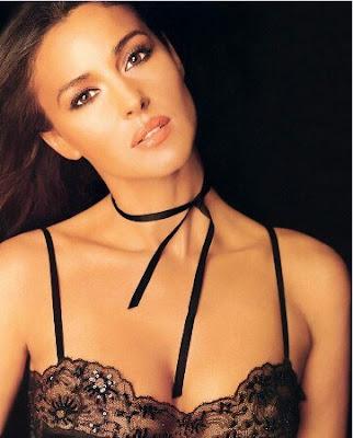 Hot Exposing Photos Of Monica Bellucci