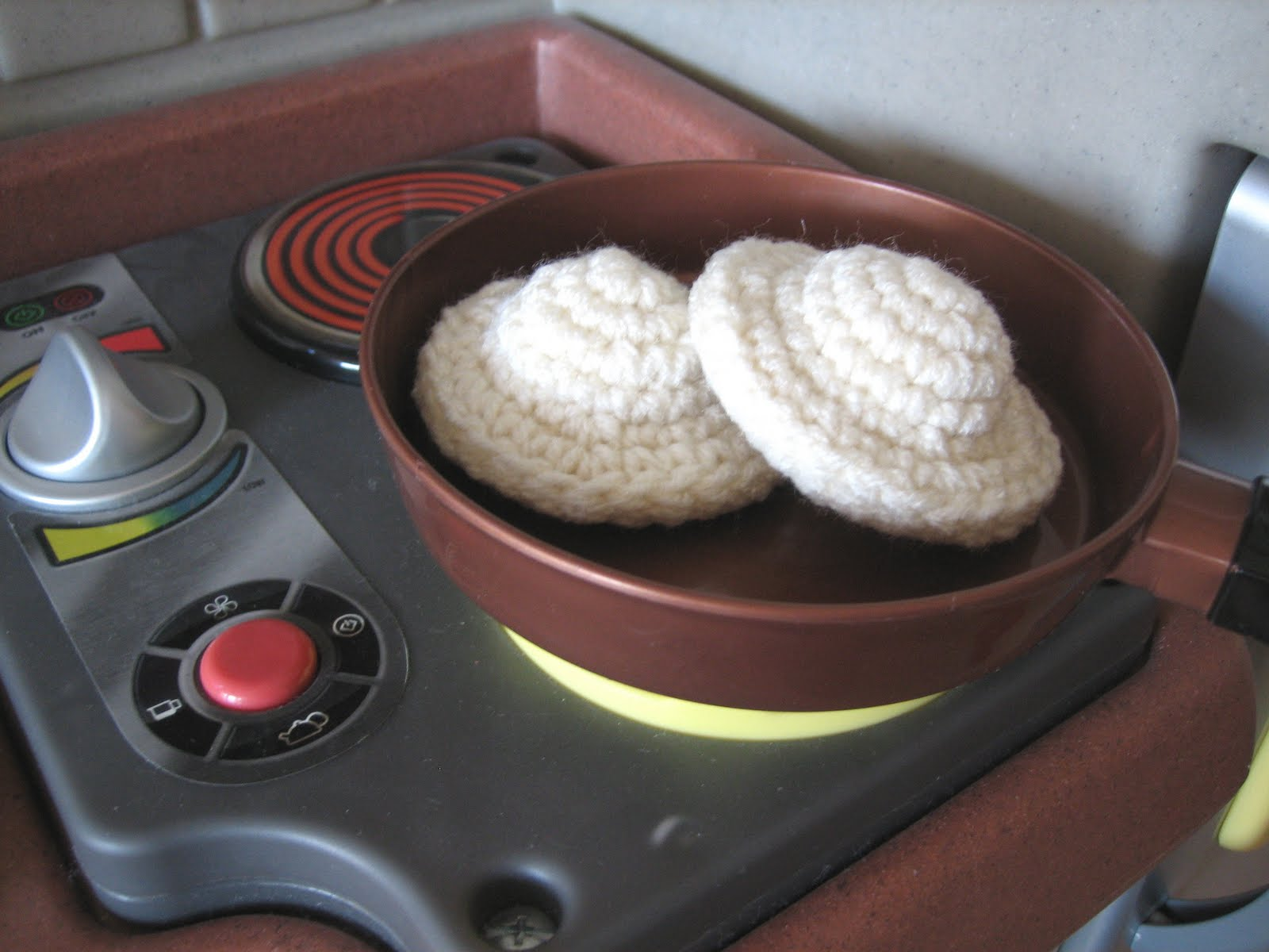 CROCHET N PLAY DESIGNS: Free Crochet Pattern: Pierogies