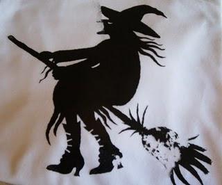 http://4.bp.blogspot.com/_qURZ_pQy-ew/TPrMHPdtVZI/AAAAAAAAAfI/FRTUhcp2yj8/s1600/tukang+sihir+2.jpg