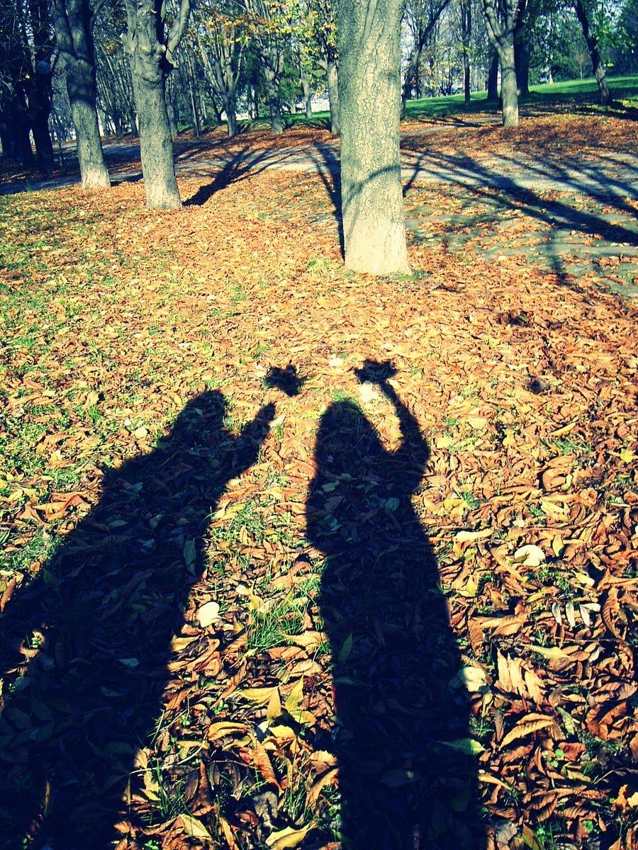 We_love_autumn_by_rainbow_world.jpg