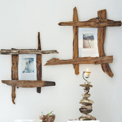 im loving the look of these diy frames take four pieces of flat driftwood and screw or nail them together make sure to pre drill not to split the wood