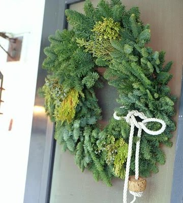 green nautical wreath with rope