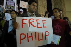 رامز عباس يشارك بالوقفة الإحتجاجية للإفراج عن الناشط فليب رزق تصوير/ سارة الديلي نيوز
