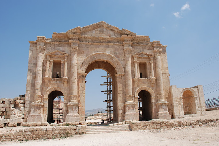 Arco triunfo romano en Jerash.