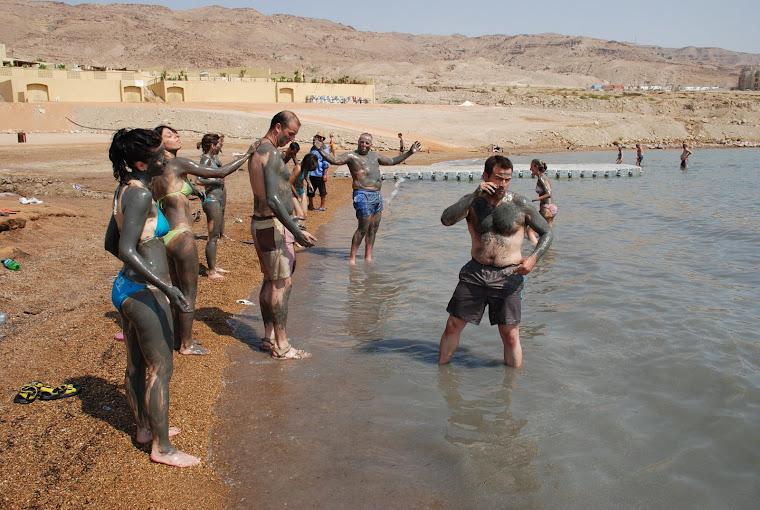 Baño en el Mar Muerto.