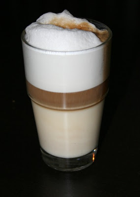 Cafe latte vs latte macchiato