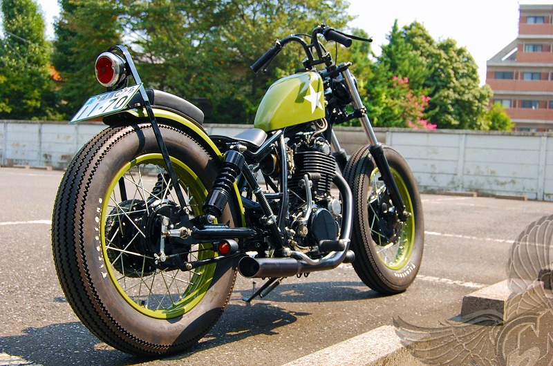 Heres Another Cool Japanese Built Metric Bobber A Yamaha SR400 Brat Style By Kick Back