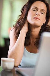 la douleur cou nerf pincé Causes, symptômes