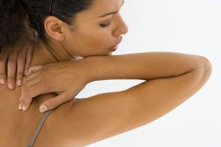 causes et les traitements des Douleurs omoplate