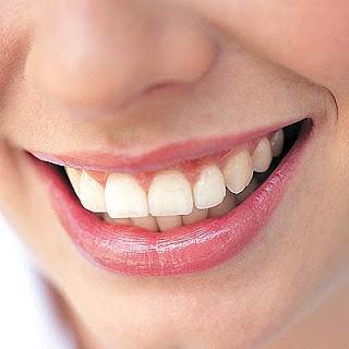 Remèdes à la maison facile pour blanchir les dents