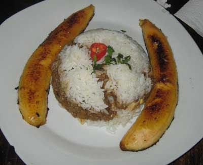 el arroz tapado es un platillo típico de perú en general en la gran ...