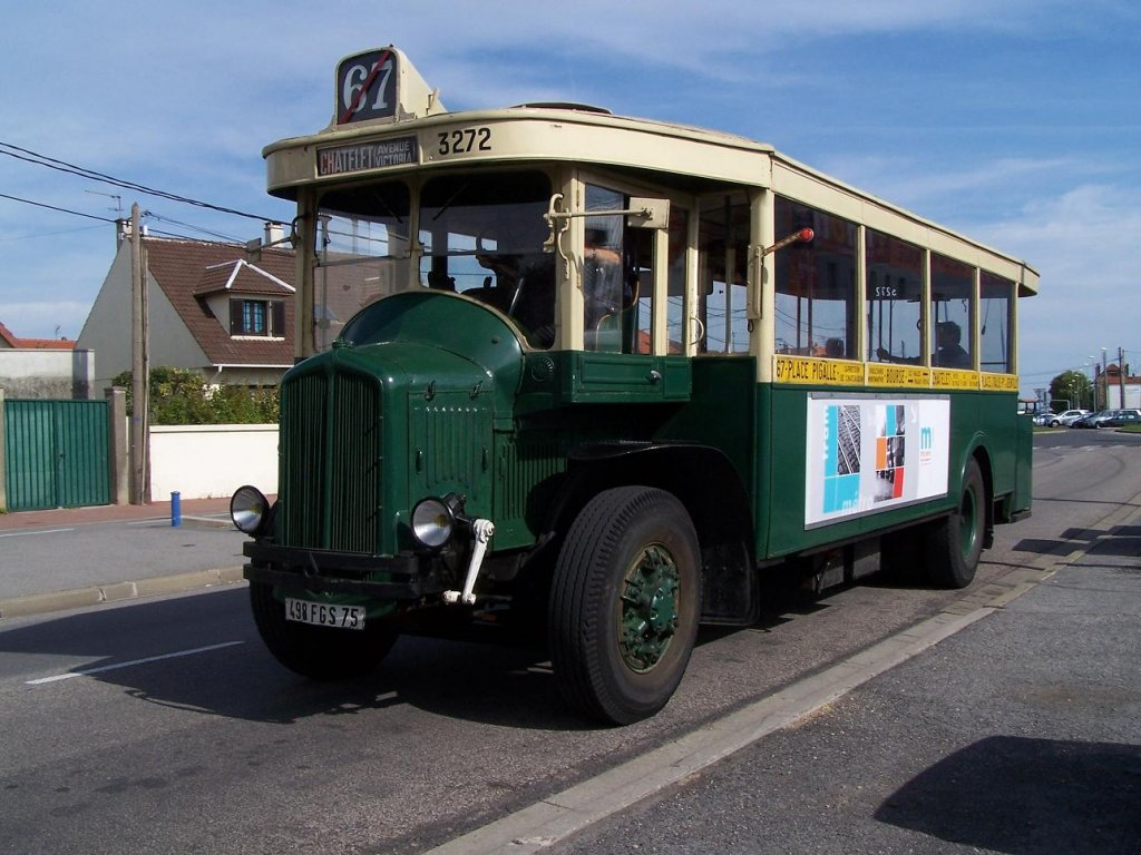 transpress nz paris 1930s renault bus model. Black Bedroom Furniture Sets. Home Design Ideas