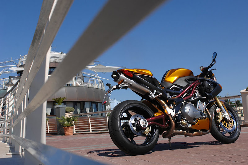 2010 Benelli Cafe Racer 1130 Picture