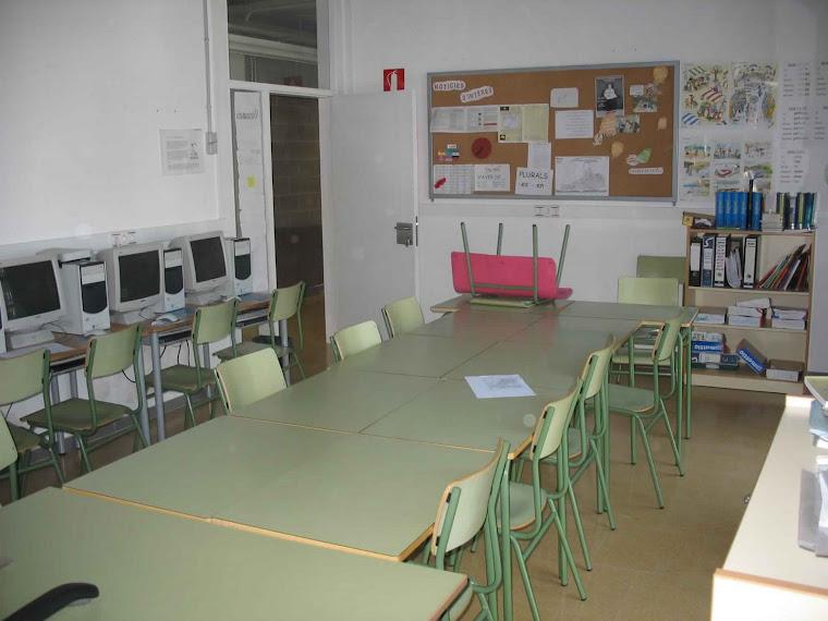 a. Imatge d'una aula d'acollida