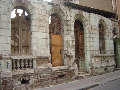 Pase sin llamar cerrado por derribo for Casas antiguas remodeladas