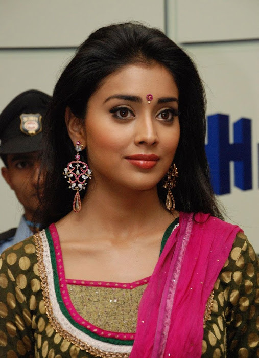 shriya xclusive