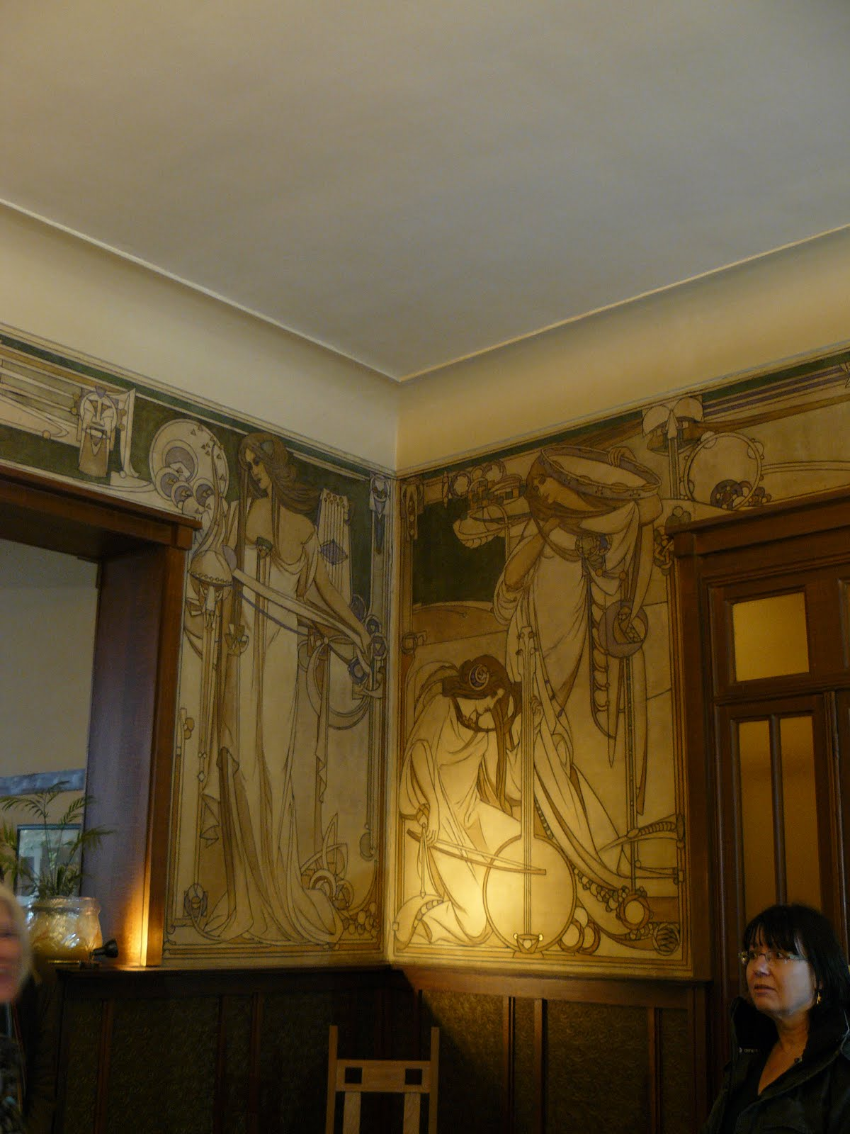 More art nouveau interiors brusselsstyle for Art nouveau mural