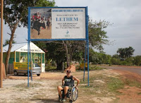 NA PLACA DE ESTRADA, WELCOME TO LETHEM GUIANA