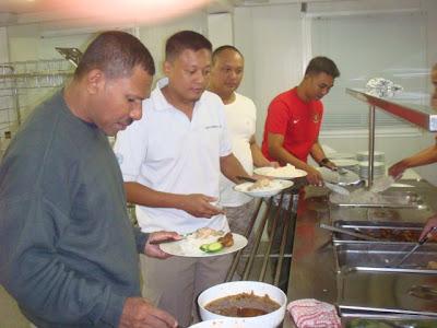 Makan bersama di Dining Hall FPU