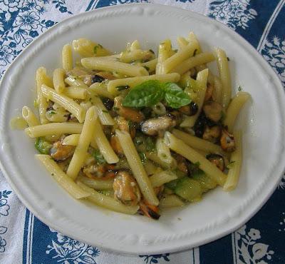 Pasta con cozze e zucchine
