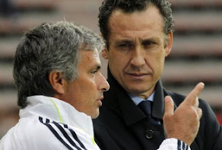 Mourinho and Valdano talking about a training