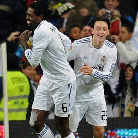 Adebayor and Ozil togheter in the pitch after the second goal against Sevilla