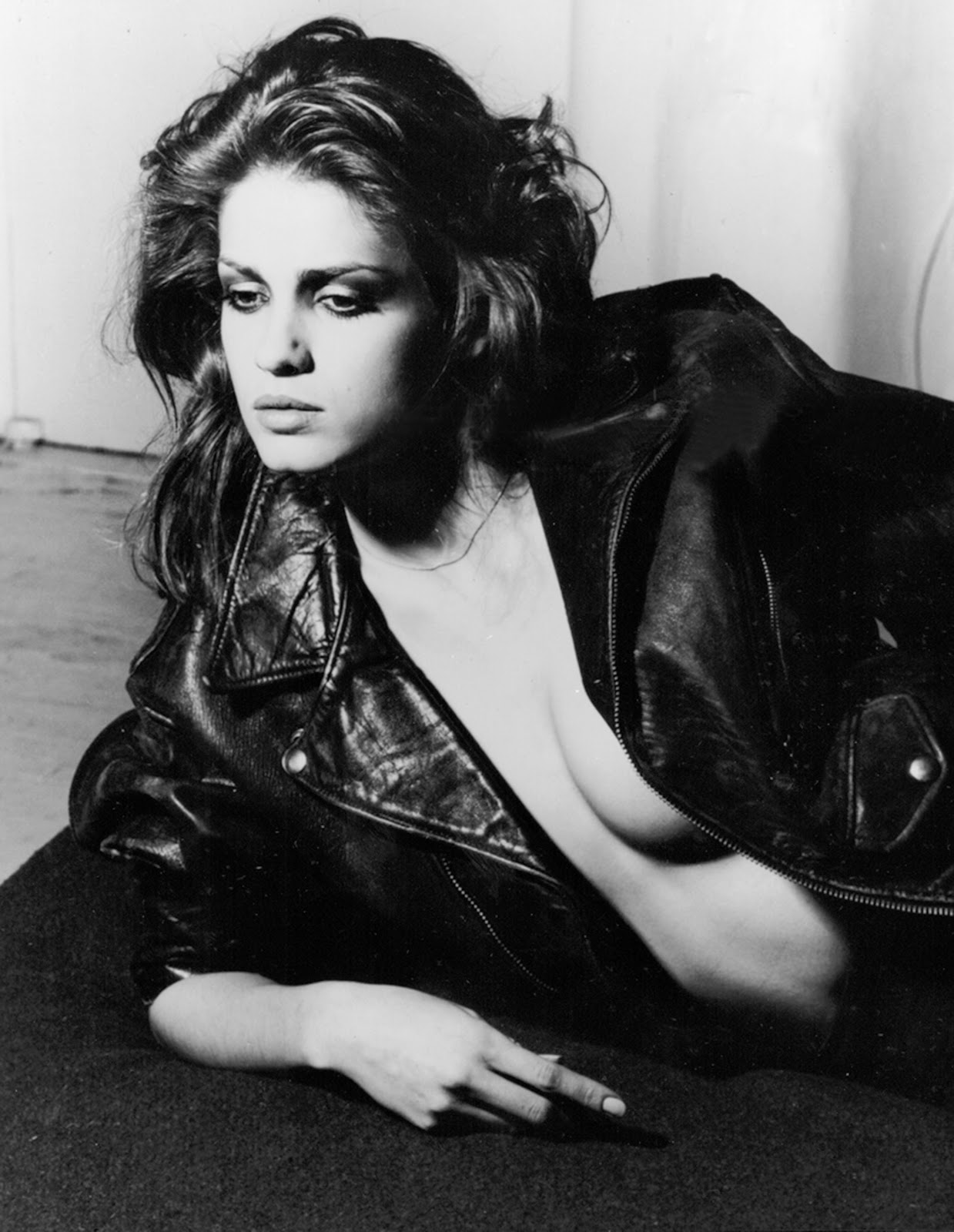 Gia Carangi6 Angelina Jolie nude pictures gallery, nude and sex scenes