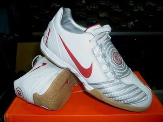 Gambar Sepatu Futsal Nike
