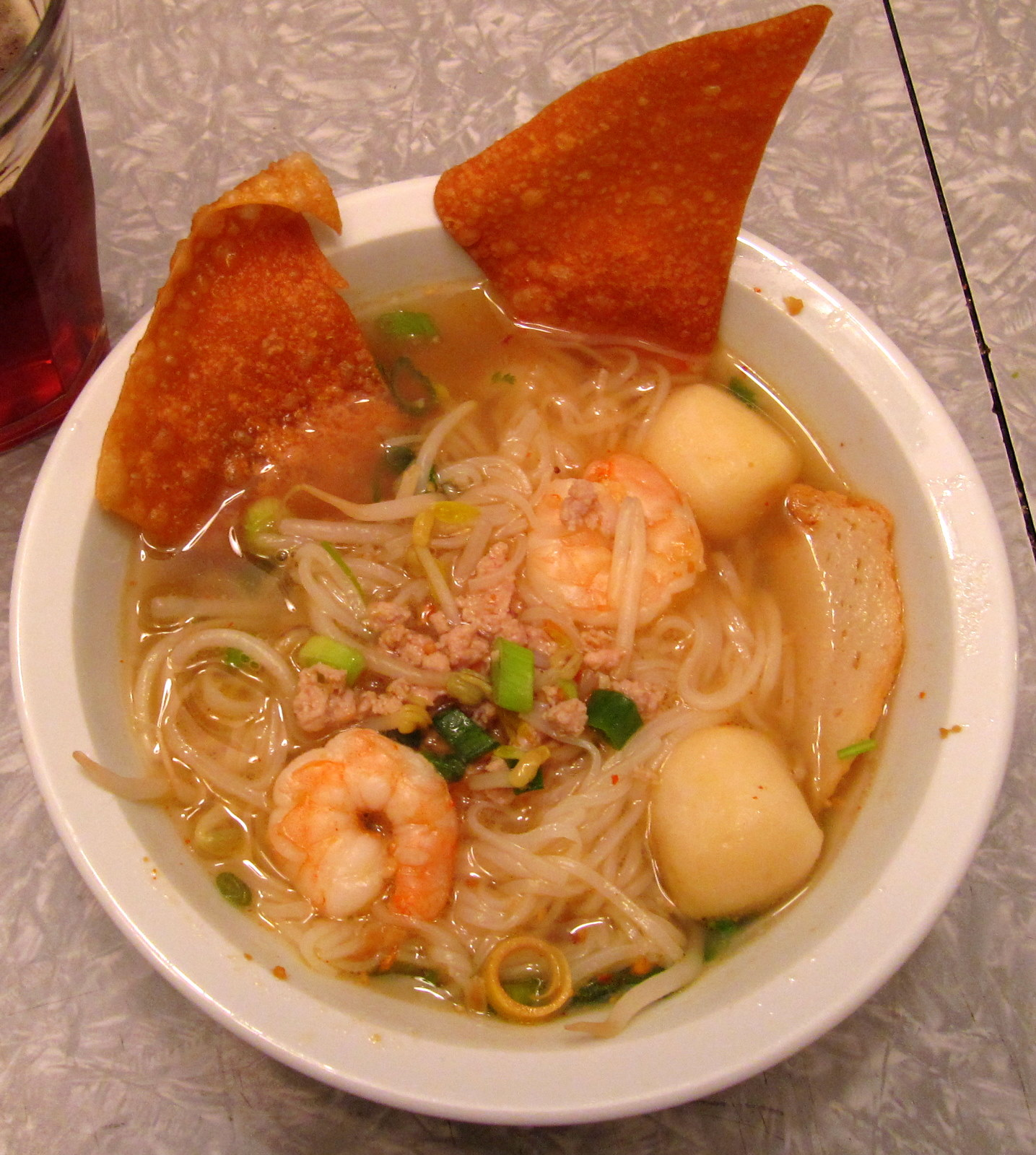 Eating l a charm rice noodle finally real thai in for Rice noodle fish