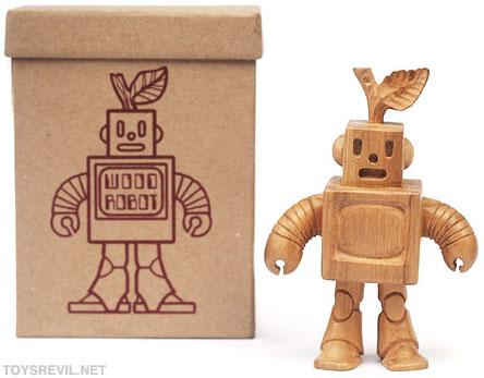 Wooden Robot Prototype PRODUCTDESCRIPTION Blamo is proud to reveal the