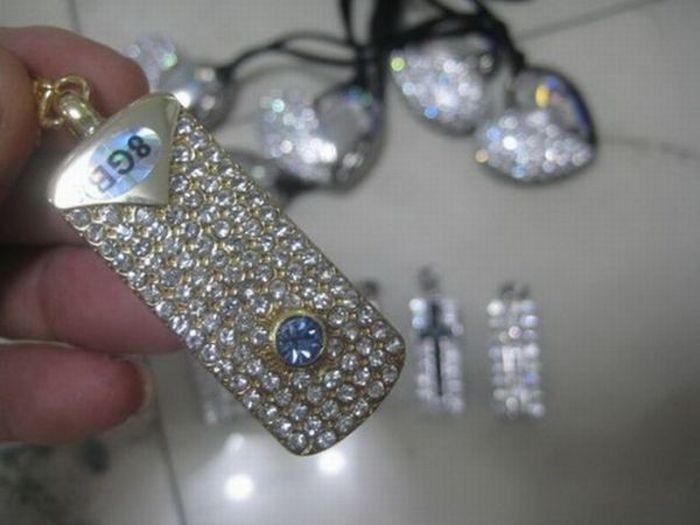 beautiful usb jewelry 05 - USB jewellery