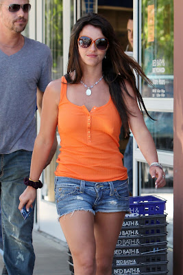 britney spears in cut-off jean shorts