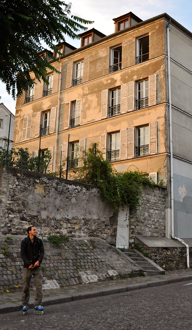 Rue du Cardinal Guibert; click for previous post