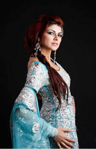 Ayesha Gilani Miss Pakistan Hot Pictures Hot Wallpapers cleavage