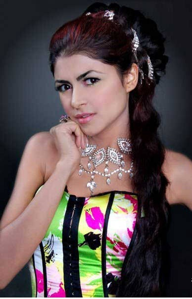 Ayesha Gilani Miss Pakistan Hot Pictures Hot Wallpapers Photoshoot images
