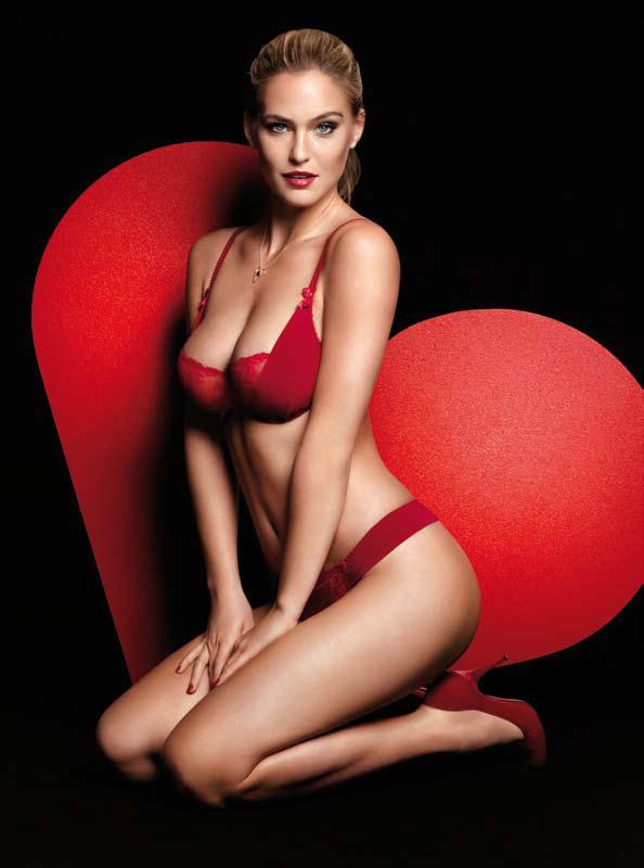 golie-top-modeli-dlya-valentino