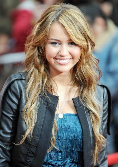 صور هانا مونتانا جديدة 2011 Miley_cyrus_hannah_montana_premiere_02