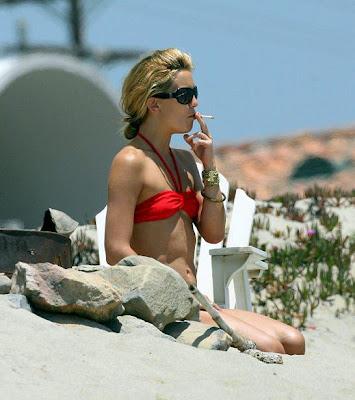 tara reid smoking