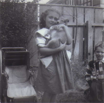 Lassie & Maureen - circa September 1952